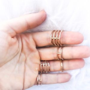 Rings | set of five | Forever 21 | Gold color